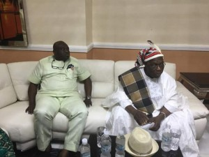 Governor Ikpeazu and Obasanju in the palace of the Eze Egege in Abia State
